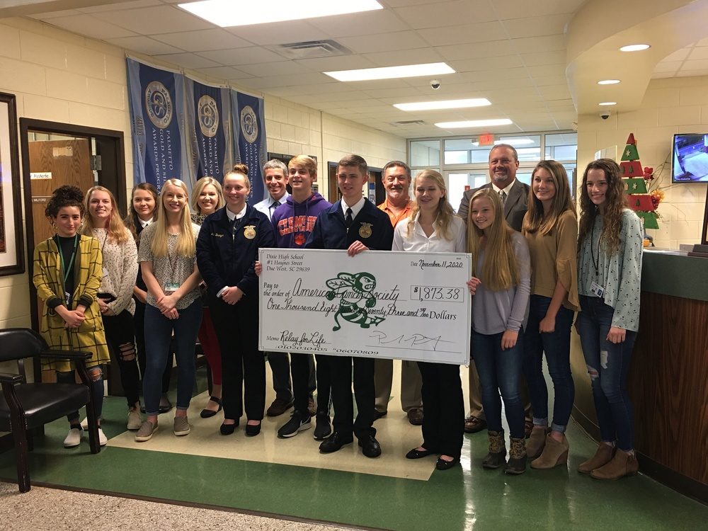 Beta Club and Student Government Raises Money for American Cancer Society