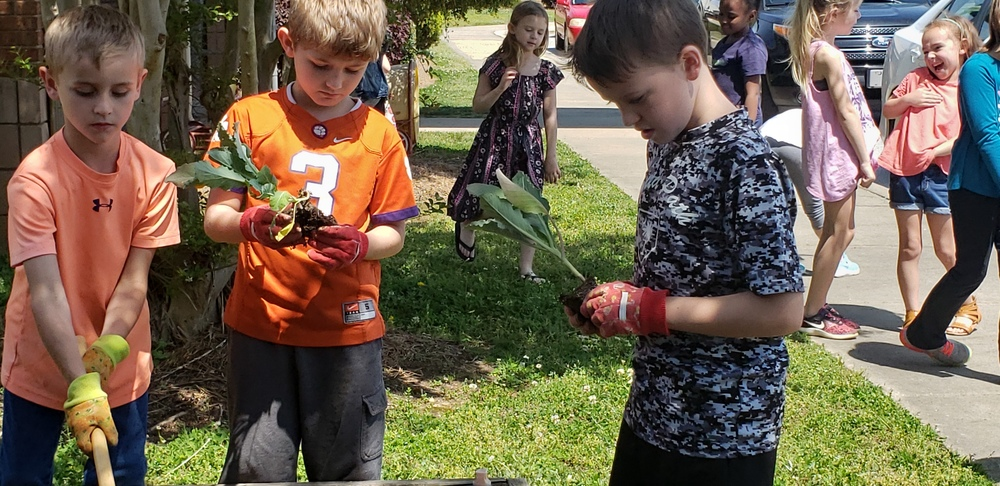 First graders hope to have a GREEN THUMB!