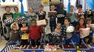 Mrs. Eaves' First Graders Participate in Angel Tree