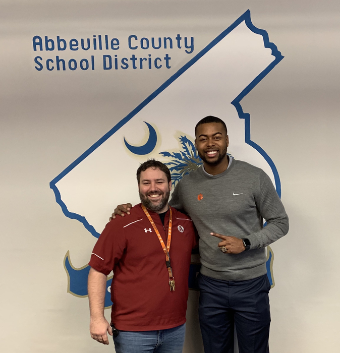 Xavier Dye visits our school district