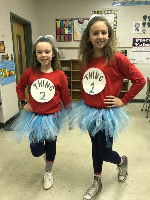 5th Grade Students Dressed as Thing 1 and Thing 2